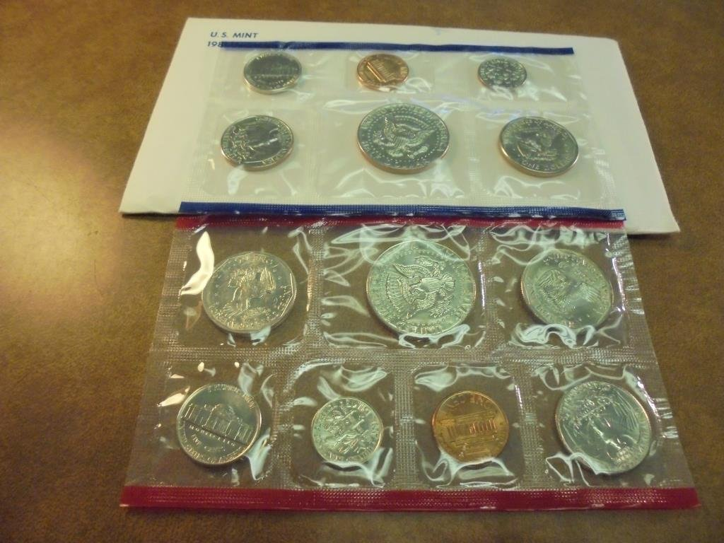 1981 US MINT SET (UNC) P/D/S (WITH ENVELOPE) - 2