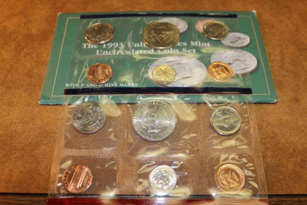 1993 US MINT SET (UNC) P/D (WITH ENVELOPE) - 2