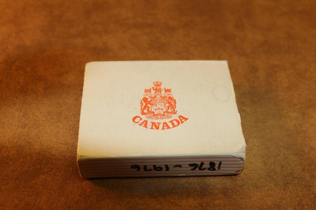 1976 CANADA PARLIAMENT SILVER DOLLAR PROOF - 3