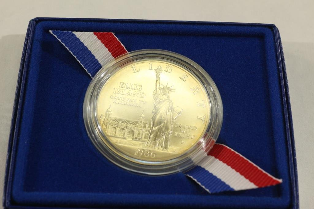 1986-P STATUE OF LIBERTY UNC SILVER DOLLAR