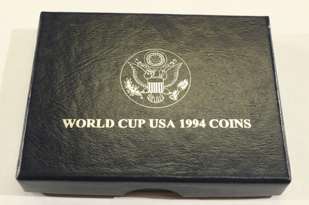1994-D WORLD CUP UNS UNC SILVER DOLLAR - 3