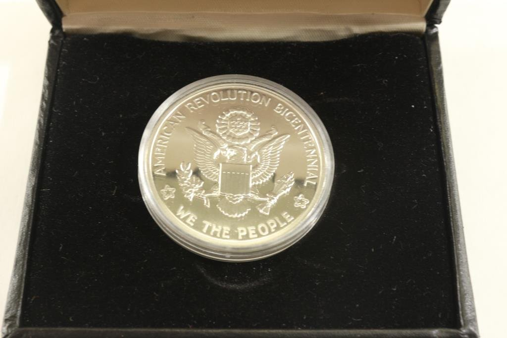 SILVER 1976 US MINT NATIONAL BICENTENNIAL MEDAL - 2