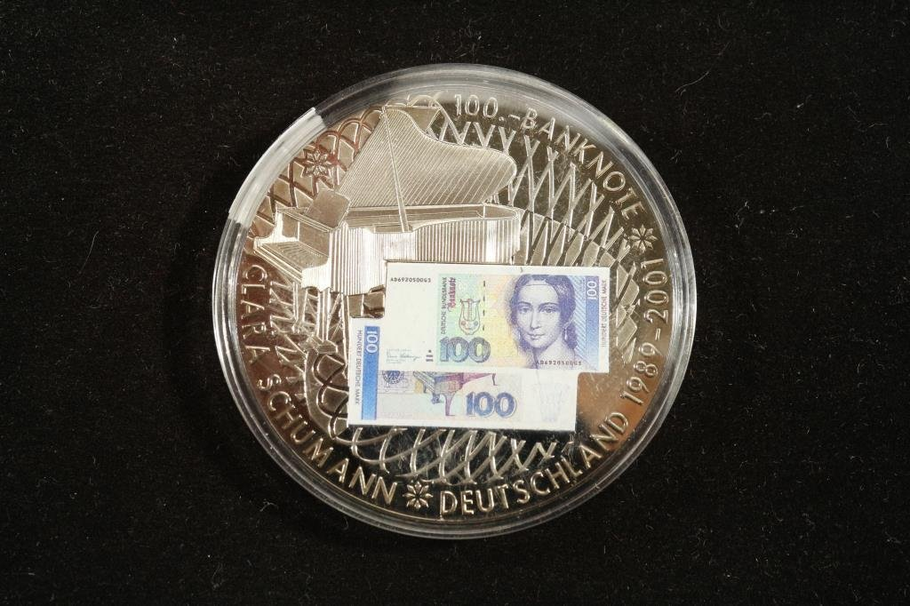"""2"""" TOKEN FEATURING COLORIZED GERMAN BANK NOTE"""