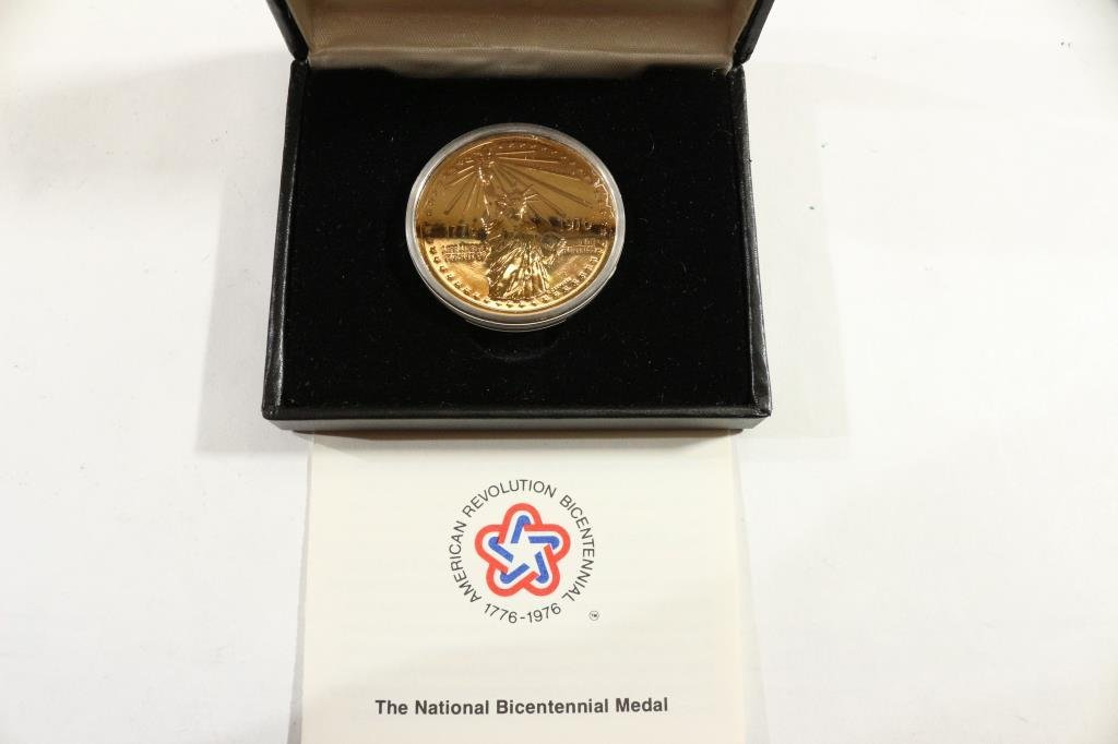 1776-1976 US MINT NATIONAL BICENTENNIAL MEDAL - 2