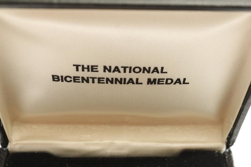 1776-1976 US MINT NATIONAL BICENTENNIAL MEDAL - 5