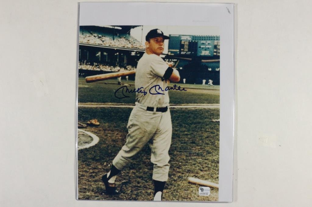 """MICKEY MANTLE 7 3/4"""" X 9 3/4"""" AUTOGRAPHED PICTURE"""