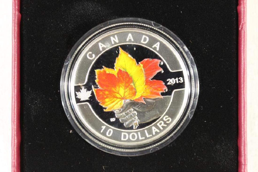 2013 CANADA $10 FINE SILVER MAPLE LEAF COLORIZED