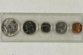 1967 US YEAR SET UNC HALF IS 40% SILVER