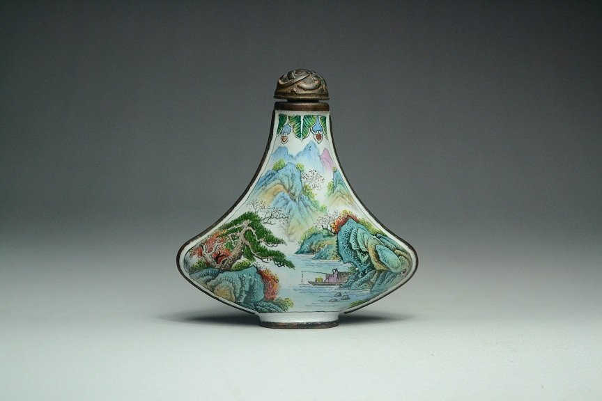 Qing Dynasty  Chinese cloisonne Snuff bottle