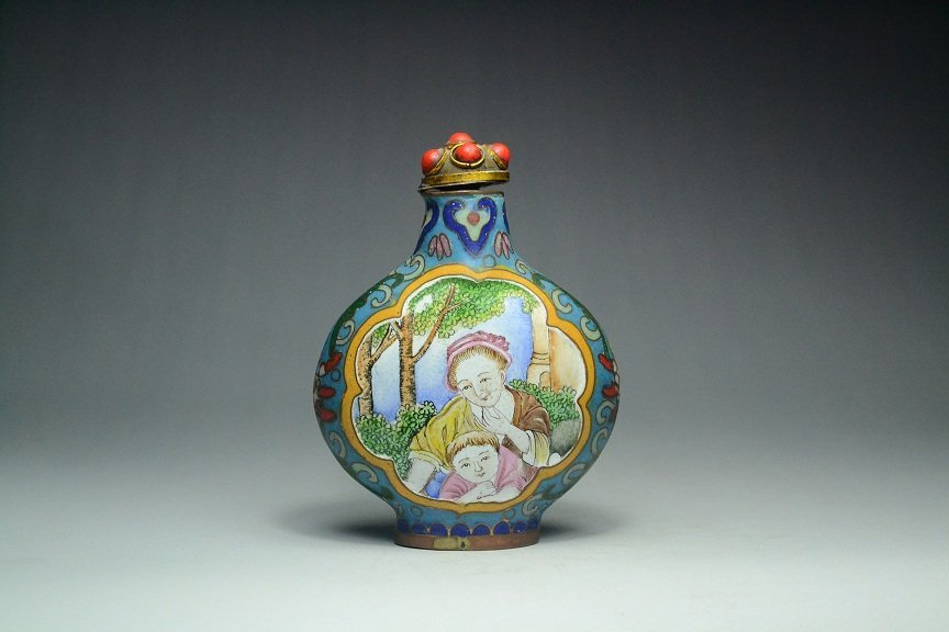 Ancient Chinese cloisonne Snuff bottle
