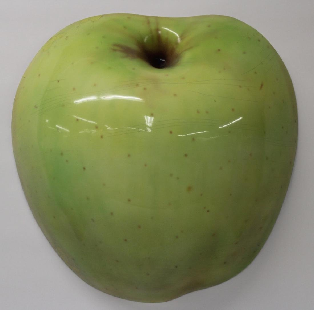 Donn Moulton,Am.,Green Apple,1972, lacquered f/g - 3