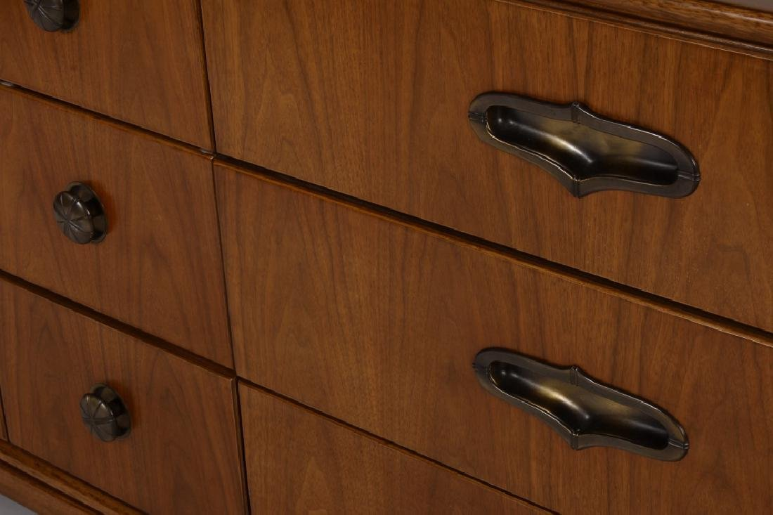 Modern Henredon Walnut Chest of Drawers,c.1970 - 3