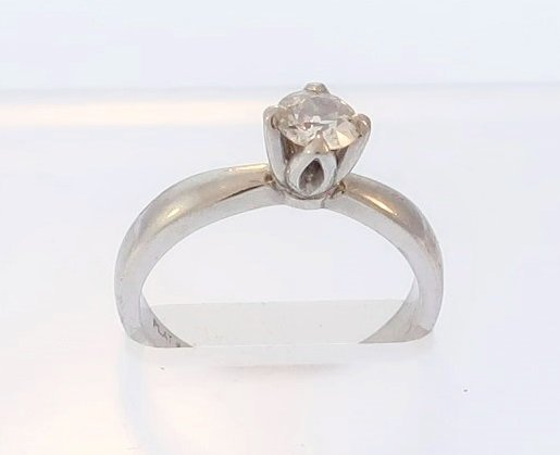 Platinum and Diamond Solitaire Ring - 2