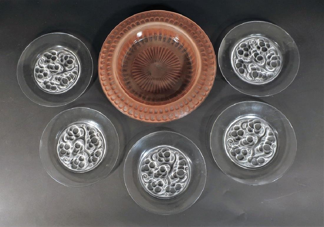 Lalique: 5 Clos Vougeot Plates and Marguerite Bowl