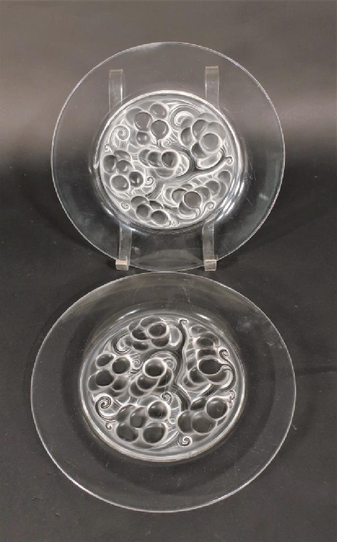 Lalique: 5 Clos Vougeot Plates and Marguerite Bowl - 2