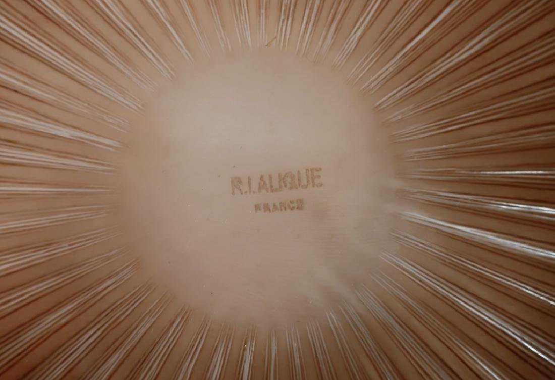 Lalique: 5 Clos Vougeot Plates and Marguerite Bowl - 6