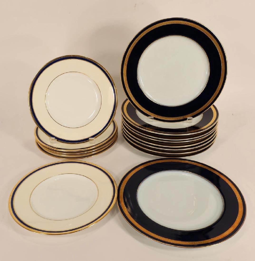12 Cobalt and gilt Wedgwood plates, etc. - 3