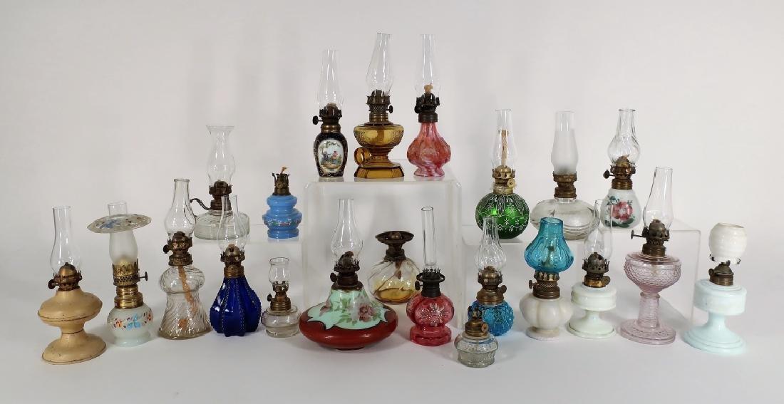 19 Oil Lamps. 19th C., Various Glasses