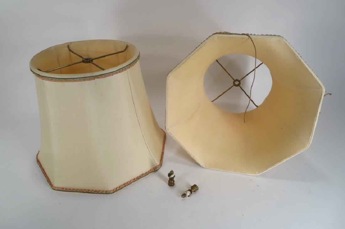 Pr. Chinese Style Lamps, 1940's Blanc de Chine - 6
