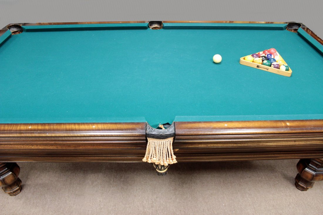 Brunswick Pool Table. Later 20th c. - 5