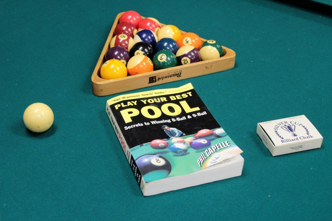 Brunswick Pool Table. Later 20th c. - 6