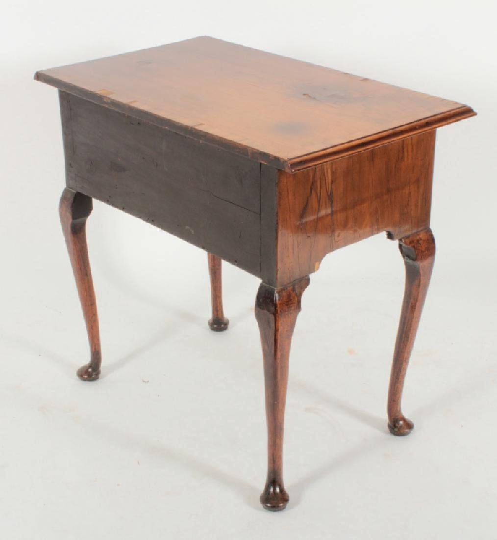 George II Walnut Dressing Table, 18th c. - 4