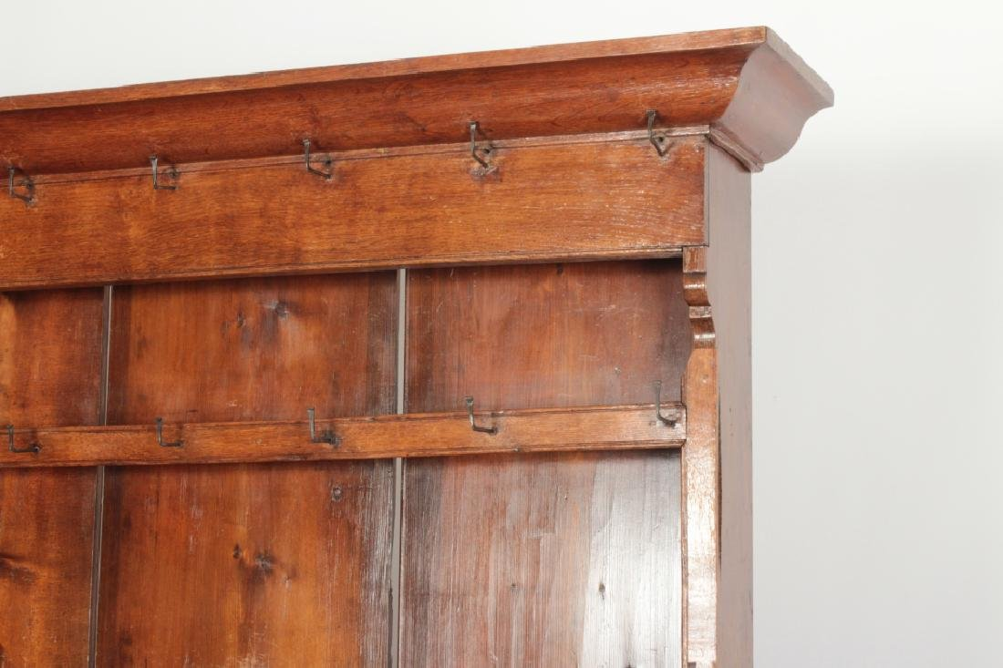 19th c. Welsh Cupboard, Oak  in 2 Parts - 2