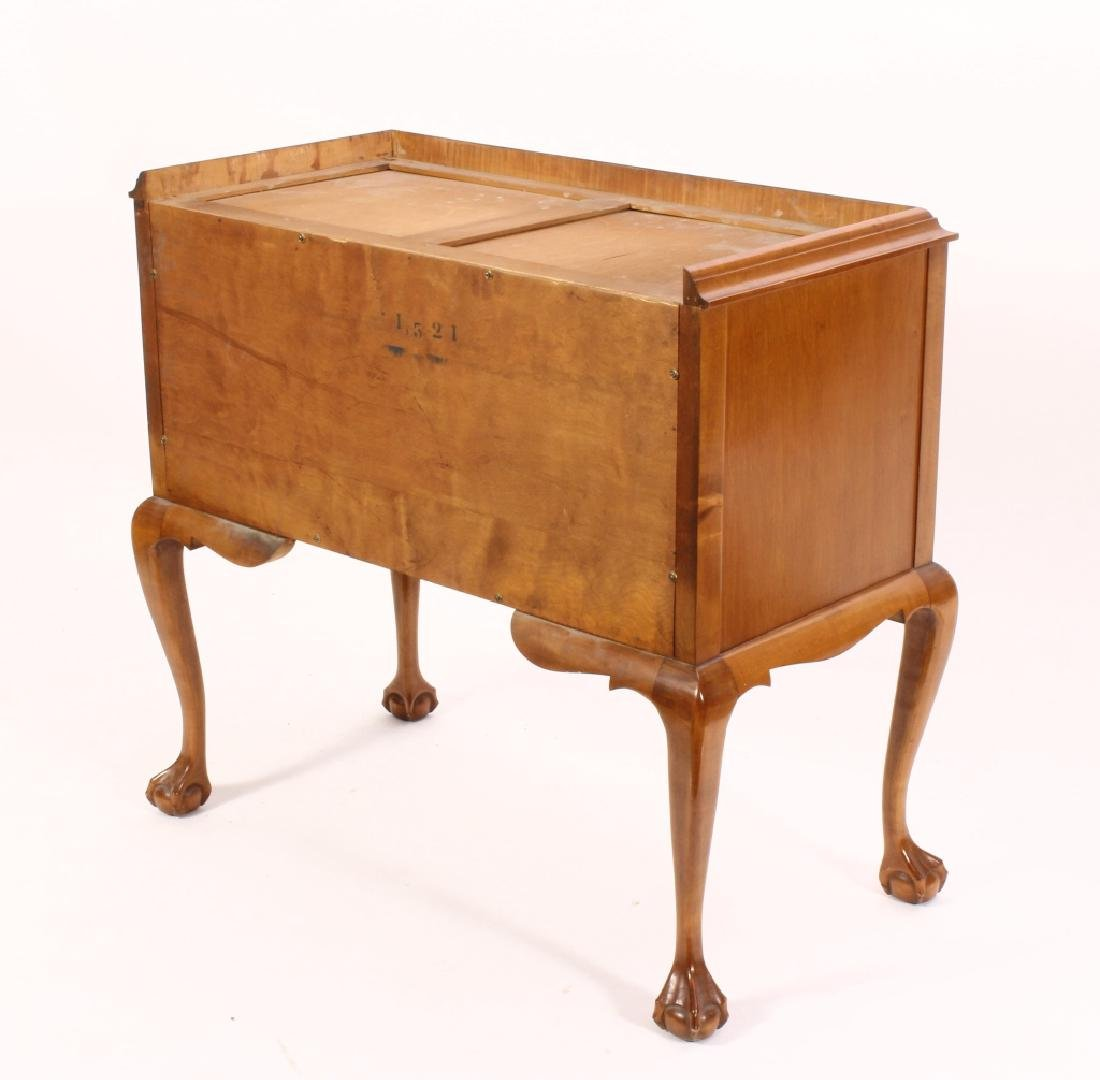 Chippendale Style Highboy Tiger Maple, 20th c. - 5