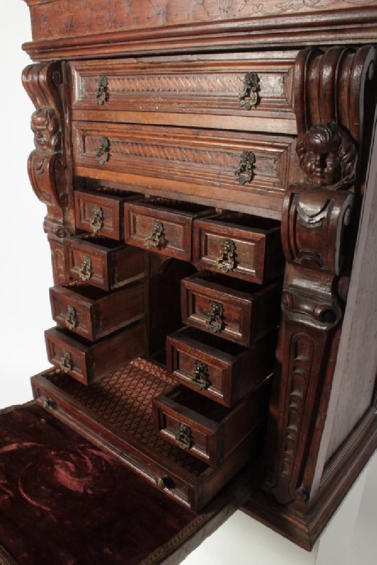 Italian Baroque Bambocci Walnut Writting Cabinet - 3