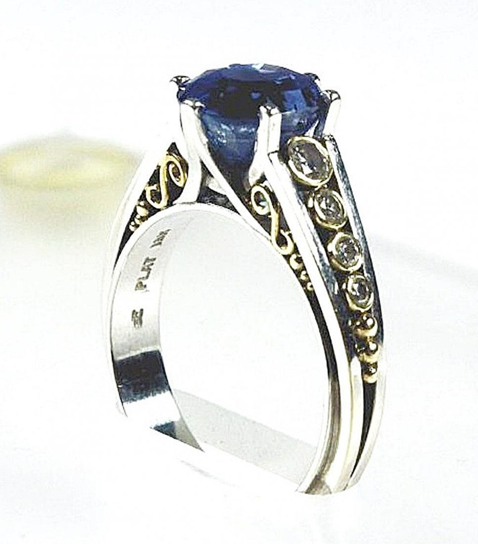 Sapphire and Diamond Ring - 3