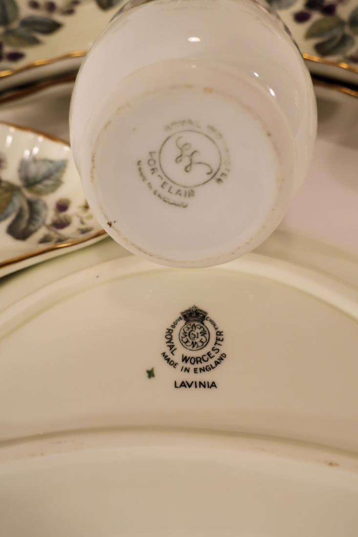 Royal Worcester Lavinia Dinner Service - 6