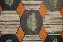 Hooked Rug Geometric Leaf Design