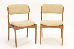 Four Danish Modern Teak Chairs - Buch, Mobilier