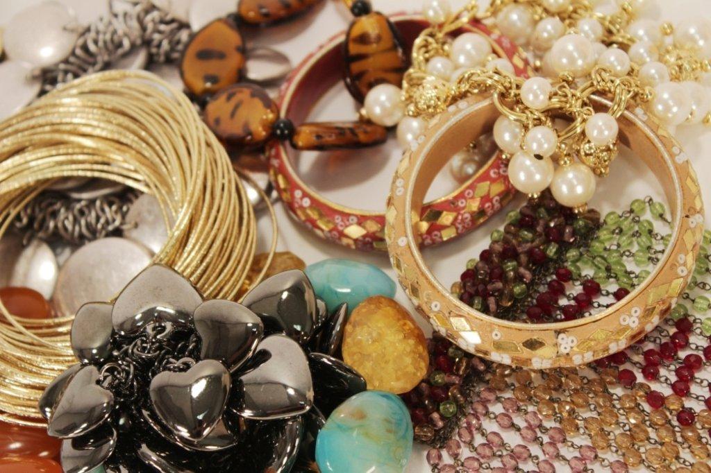 Lot of 13 Costume Bracelets