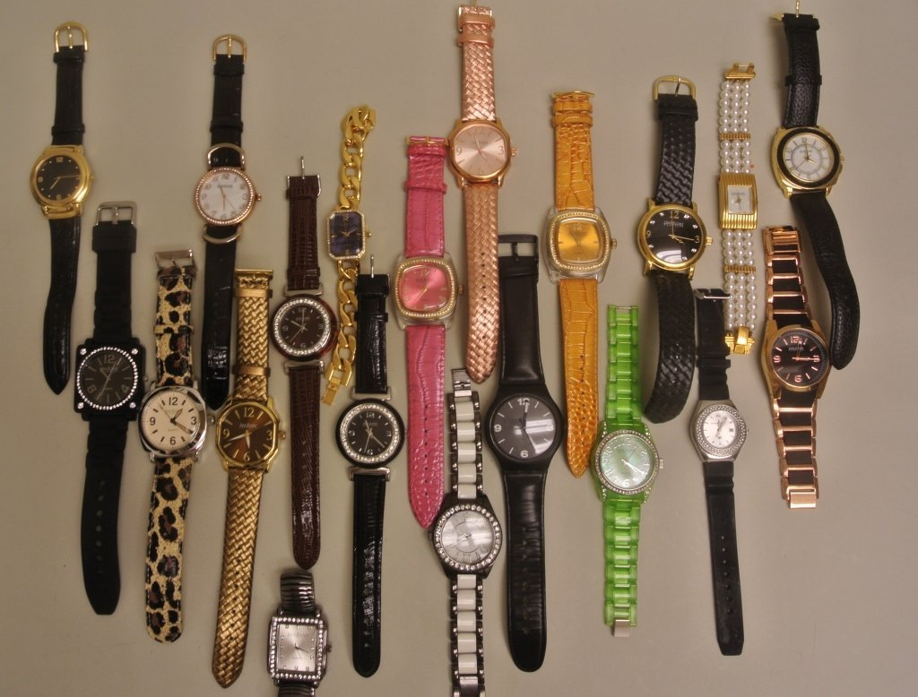 Lot of 20 Watches by Joan Rivers