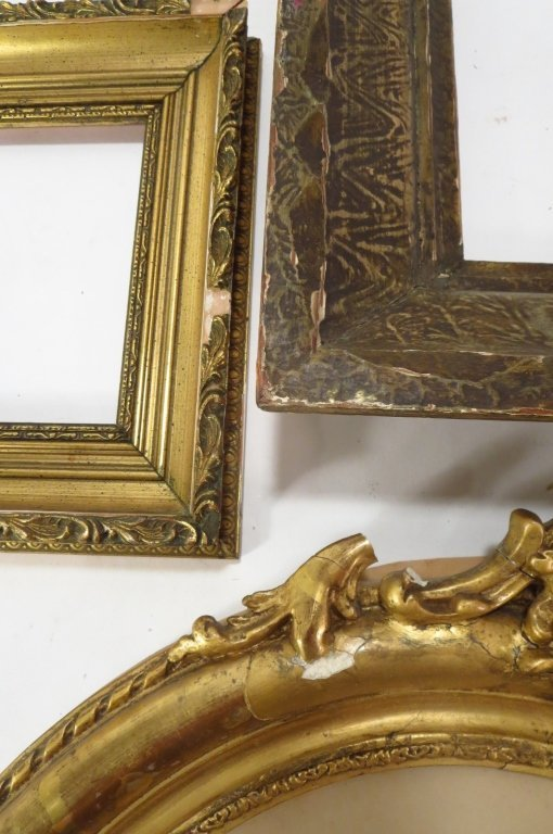 Group of 9 Decorative Wood Frames. - 3