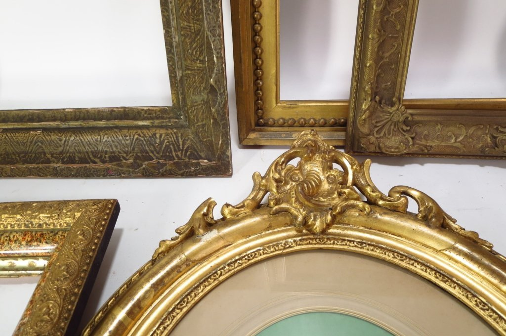 Group of 9 Decorative Wood Frames. - 4