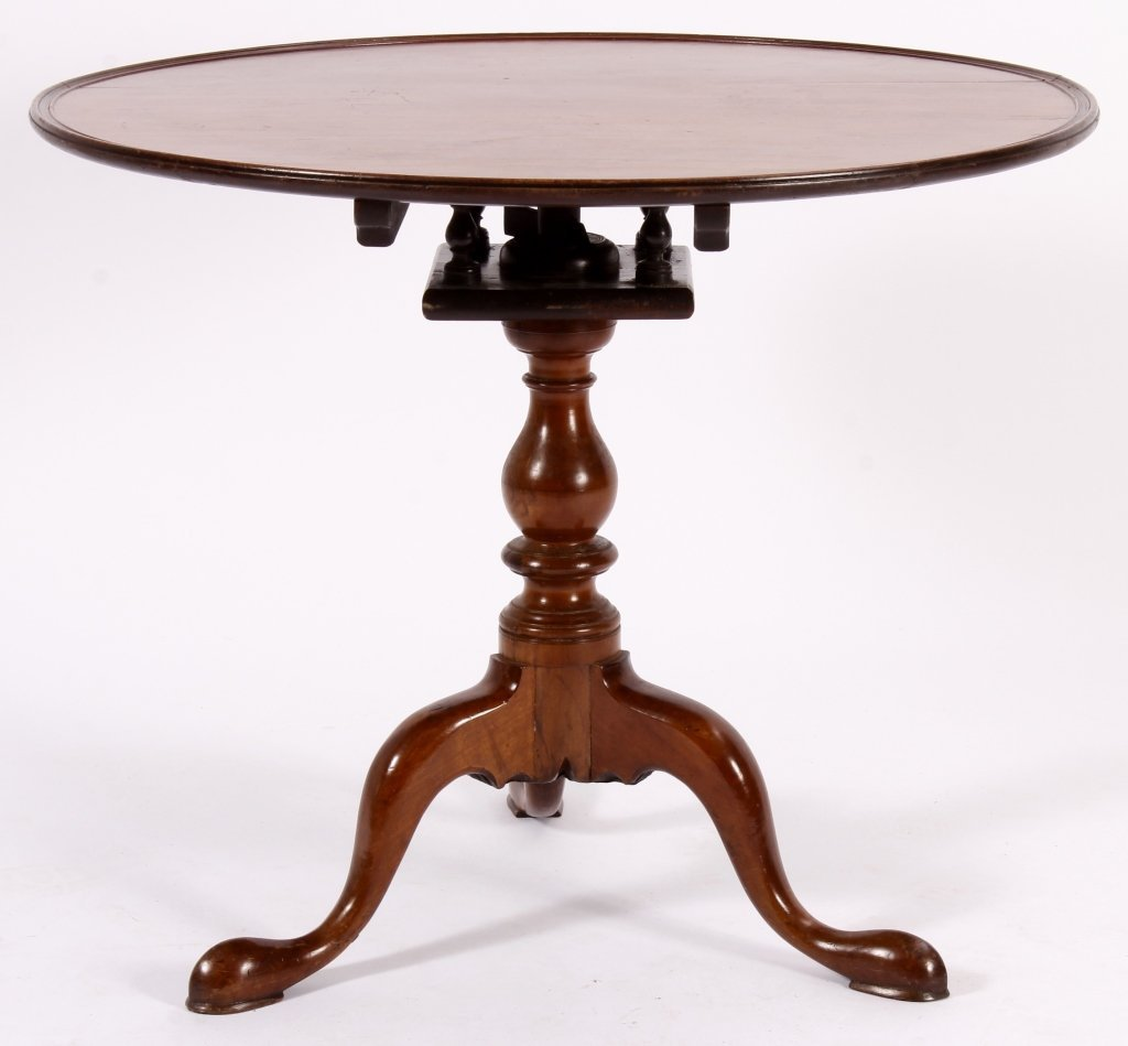 Chippendale Tilt Top Table American 18th C. - 2