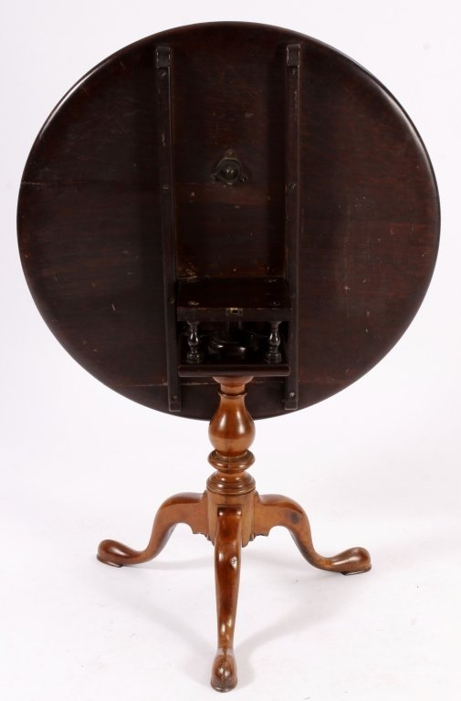 Chippendale Tilt Top Table American 18th C. - 5