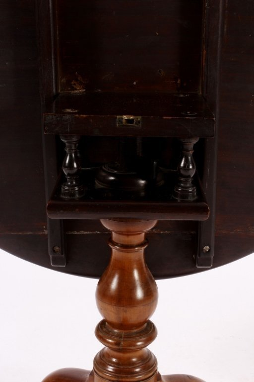 Chippendale Tilt Top Table American 18th C. - 6
