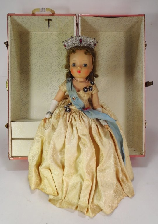 Mme. Alexander Q. Elizabeth Doll, Trunk & Outfits