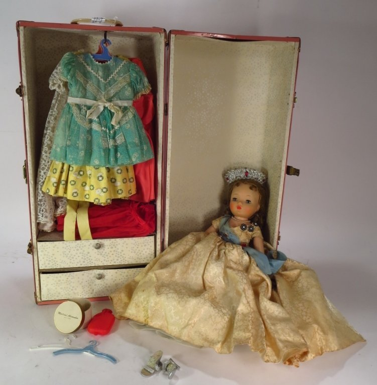 Mme. Alexander Q. Elizabeth Doll, Trunk & Outfits - 6