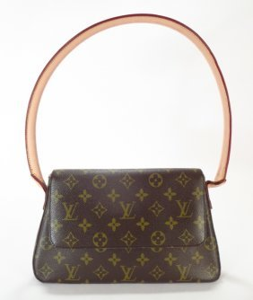 Louis Vuitton Looping Pm Shoulder Bag