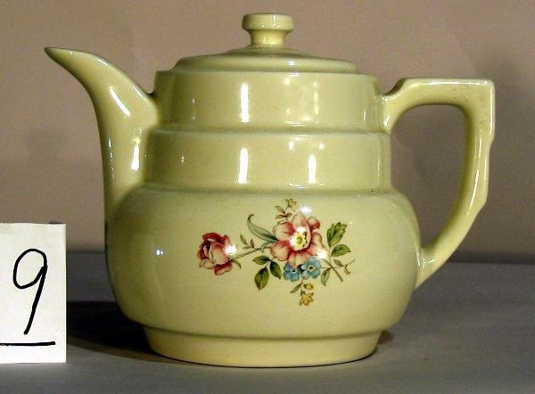 9: PORCELAIN TEA POT