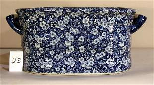 BLUE AND WHITE PORCELAIN FLORAL FOOT TUB