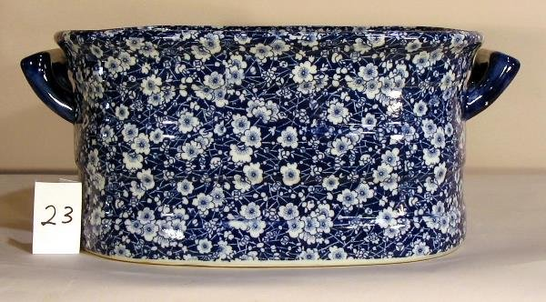 23: BLUE AND WHITE PORCELAIN FLORAL FOOT TUB