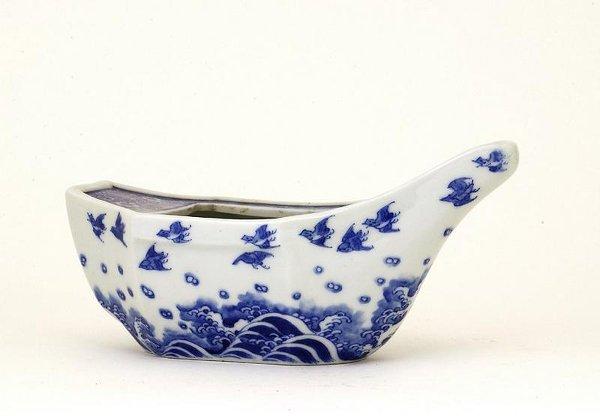 18: 1930s Japanese Blue & White Imari Seto Boat