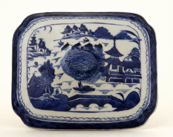 22: 19C Chinese Canton Export Blue & White Tureen