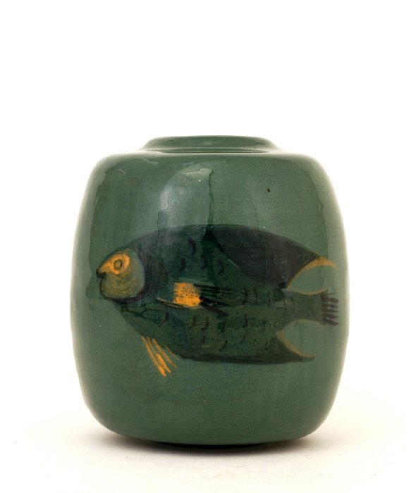 1003: Polia Pillin Pottery Vase with 2 Fish