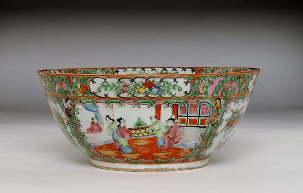 351: 19C Chinese Export Rose Medallion Punch Bowl